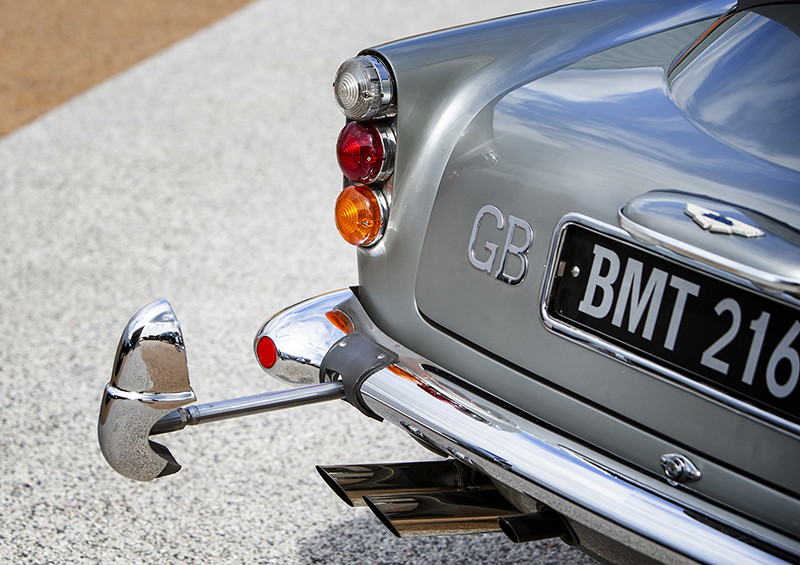 40fd435f-1965-aston-martin-db5-bond-car-23