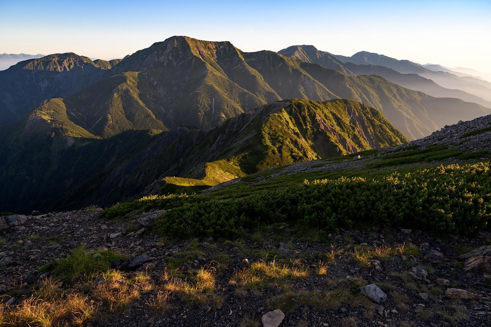 【南アルプス】上河内岳 テント泊登山 ~山頂より望むご来光と迫力ある聖岳を求めて~