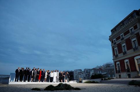 19h26 Cena familia G7 de Biarritz Foto Carlos Barria Uti 485