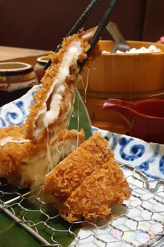 48640578141 790de63218 c - 來自富士山下的知名日式炸豬排店,最近有期間限定三星蔥蔥鹽豬排套餐,搭配麥飯好下飯!