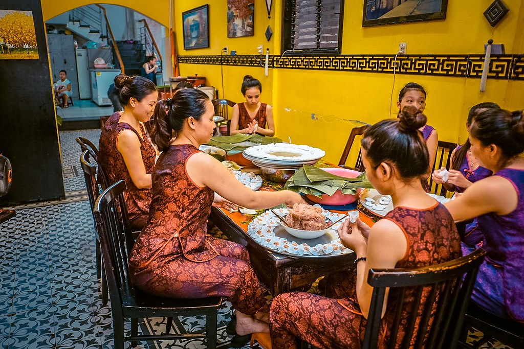 Making White Rose Dumplings | One Day in Hoi An Itienrary