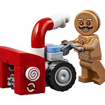 LEGO 10267 Gingerbread House Winter Village 2019
