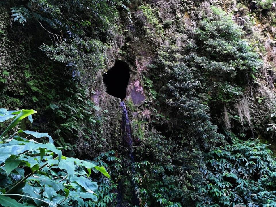 Ventana del Infierno Janela do Inferno Ruta del Agua sendero Isla San Miguel Azores Portugal 02