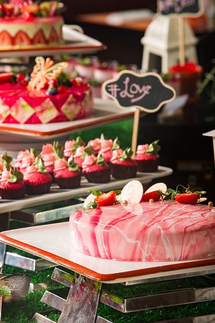 Grand Orbit PINK dessert buffet 4