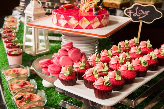 Grand Orbit PINK dessert buffet 1