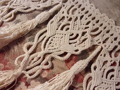 https www les tissus anciens com magnifique morceau de macrame ancien dentelle rideau c2x16299202