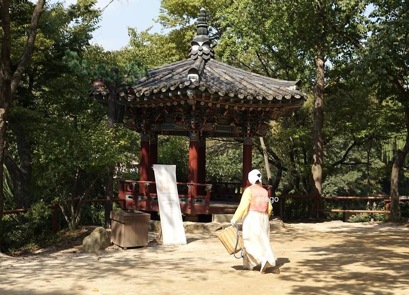 韓国民俗村 係もコスプレ