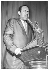 Anti-freeway activist Cassell speaks at Eastern High: 1968