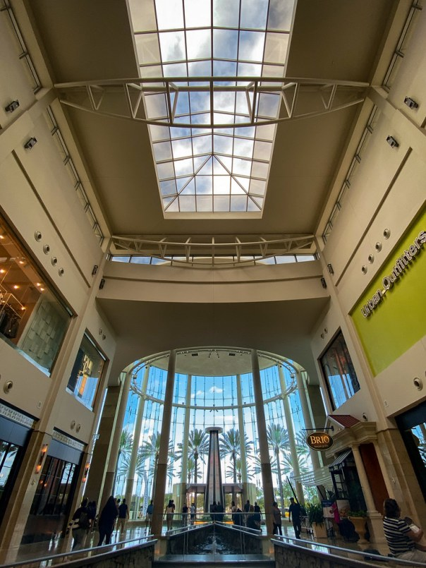 Wide angle at the mall