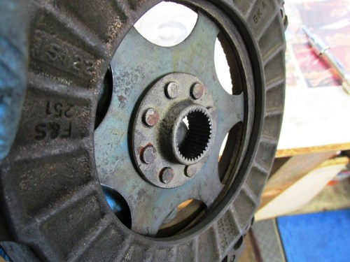 Clutch Disk Side Facing Transmission Has A Sleeve