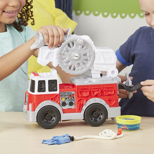 E6103_DAD_Life_F19_PD_FireTruck_0543_small