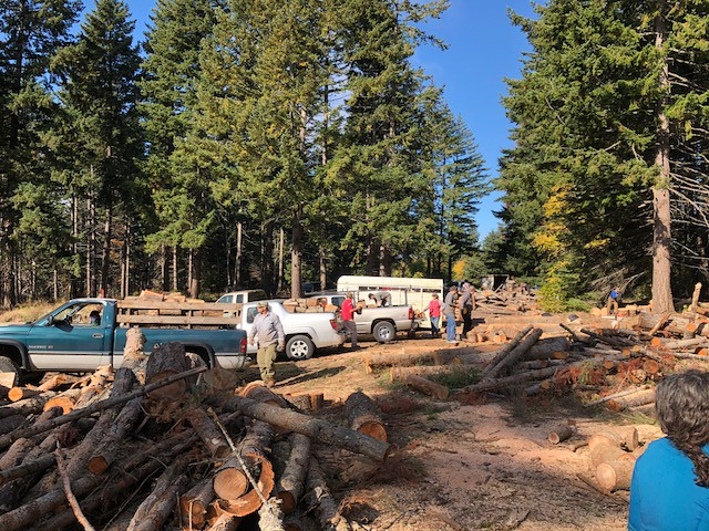 20191006_Tracy Hill Firewood Event_02_USDA photo by by Roland Rose