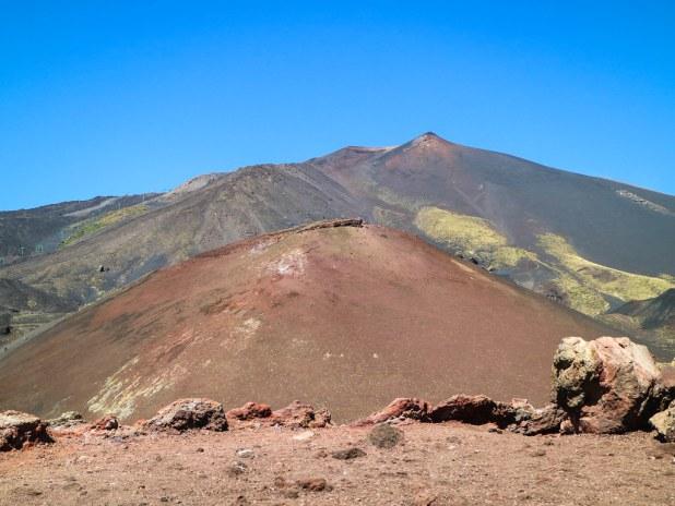 Sendero crater Silvestri en Sicilia