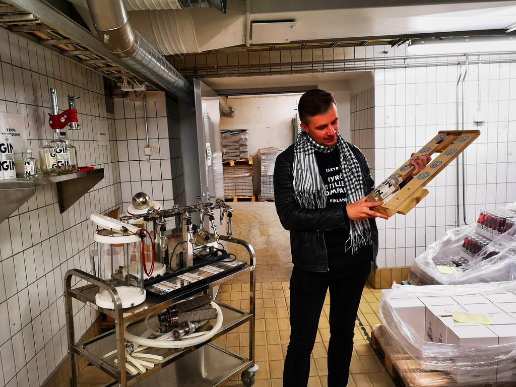 De bottelarij waar de eerste 100.000 flessen handmatig gevuld en gelabelde werden