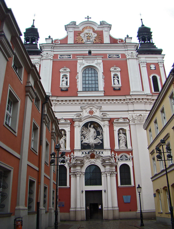 exterior Iglesia de San Estanislao y Colegio de los Jesuitas Poznan Polonia 01