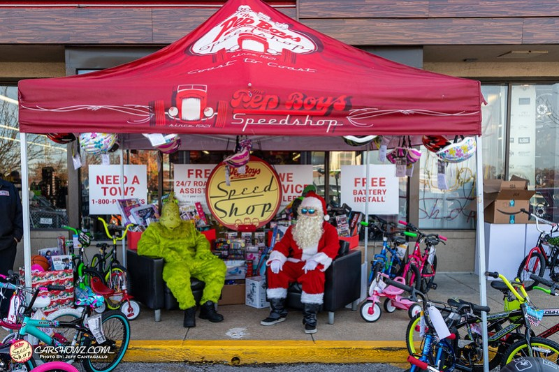 Pep_Boys_Speed_Shop_Toy_Drive_2019-36