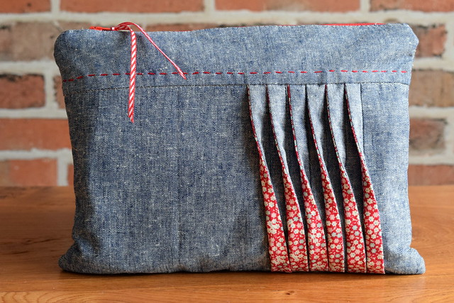 Pouch with Tucks (class sample)