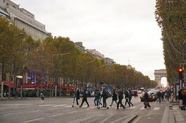 Avenue des Champs-Élysées, with Arc de Triomphe