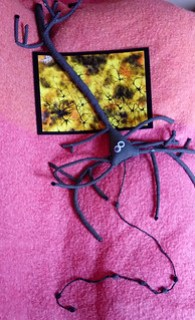 Sculpture en tissu de neurone pyramidal sur peinture