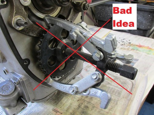 HOW NOT TO DO IT !!!! You Will Bend The Camshaft Sprocket