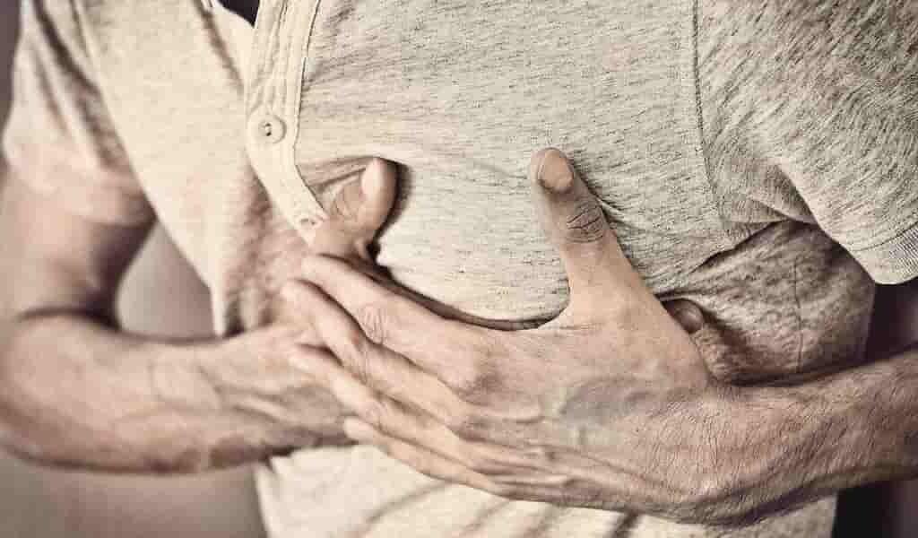 injecter-eau-après-crise-cardiaque-pour-réduire-les-dommages