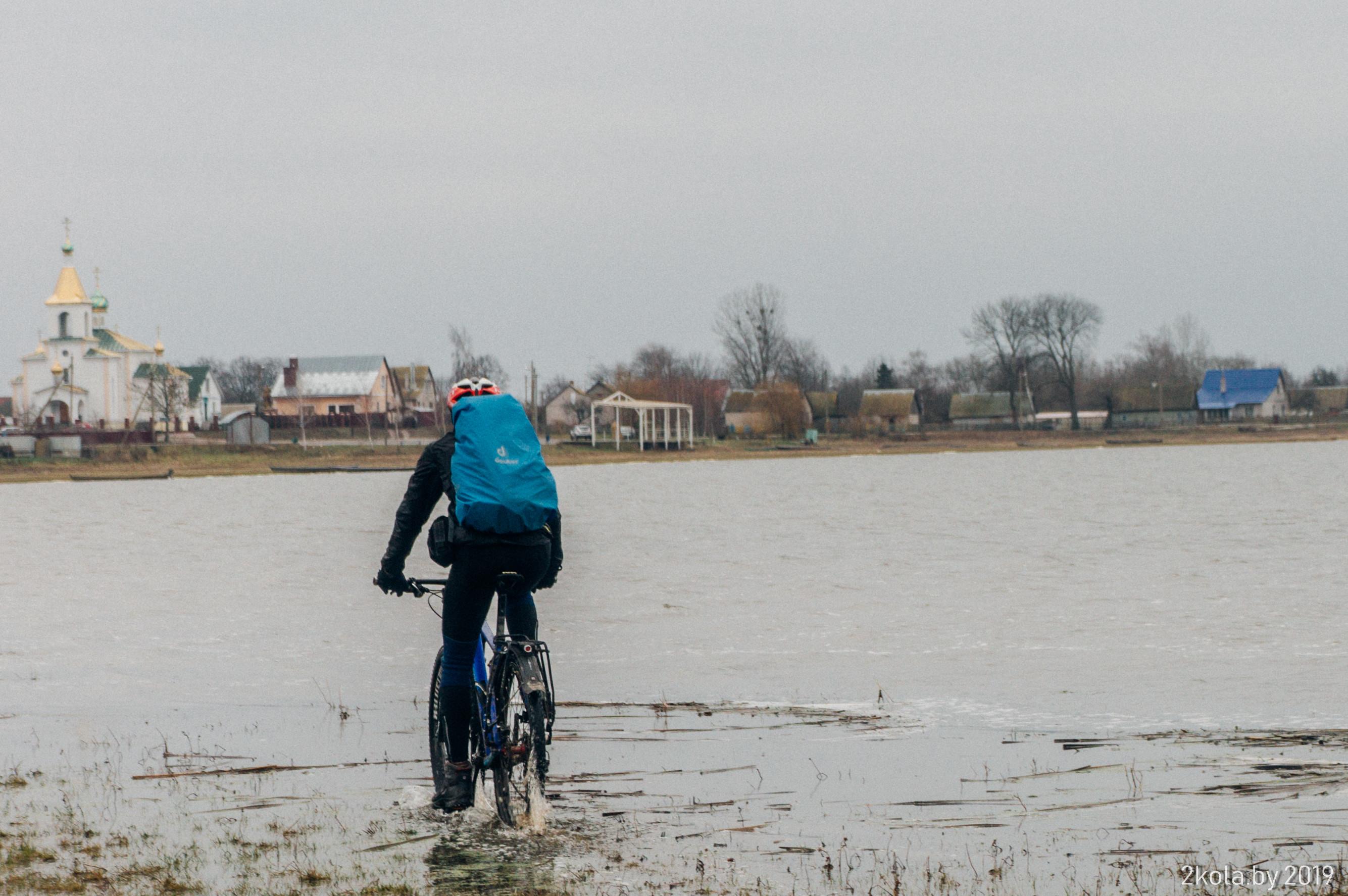 Споровское озеро на велосипеде