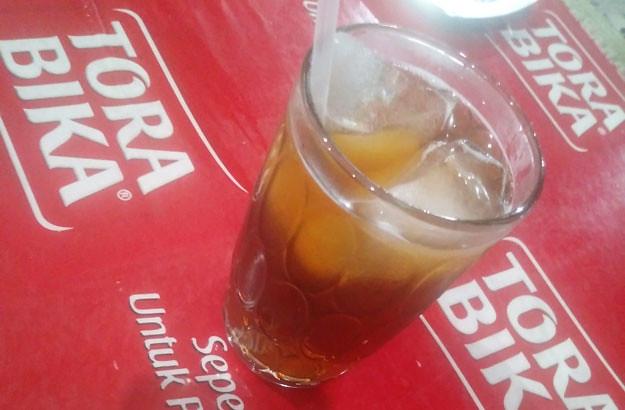 es-teh-sate-kambing-bu-ratna-karangpandan
