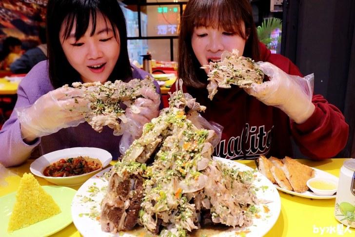 49412785863 13c1cd7699 b - 熱血採訪|泰辛火山排骨,台中也能吃到曼谷夜市爆紅美食,巨無霸浮誇排骨山,大口吃肉超過癮