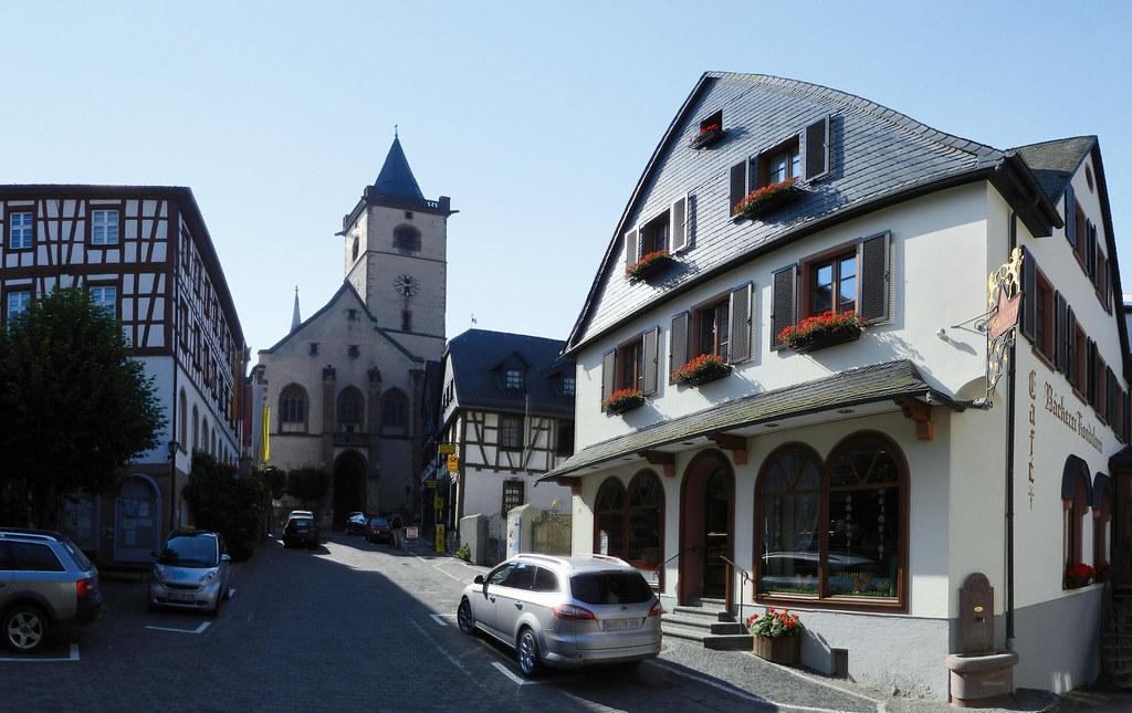 exterior Iglesia San Matin en Lorch Valle del Rin Alemania 01