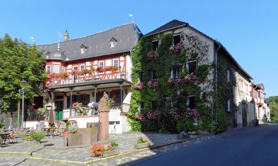 edificio posada Engel plaza de la Fuente Kiedrich Alemania 01