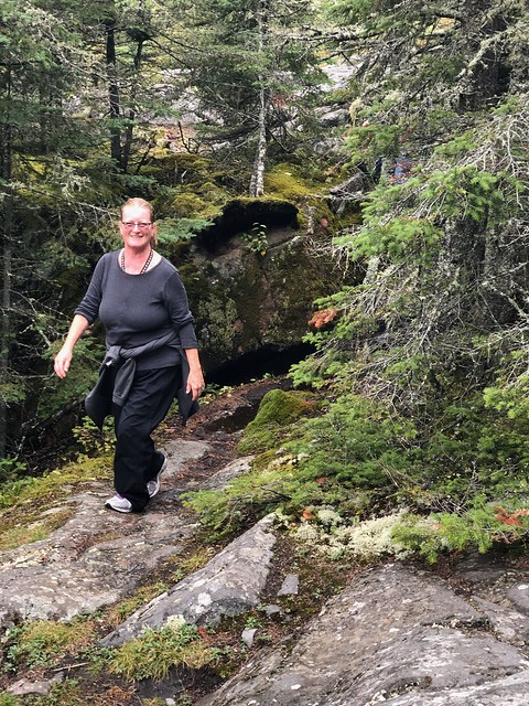 Neys - Diane on the trail