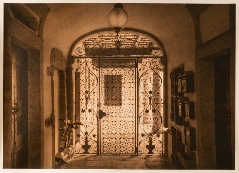 Gate, Biella