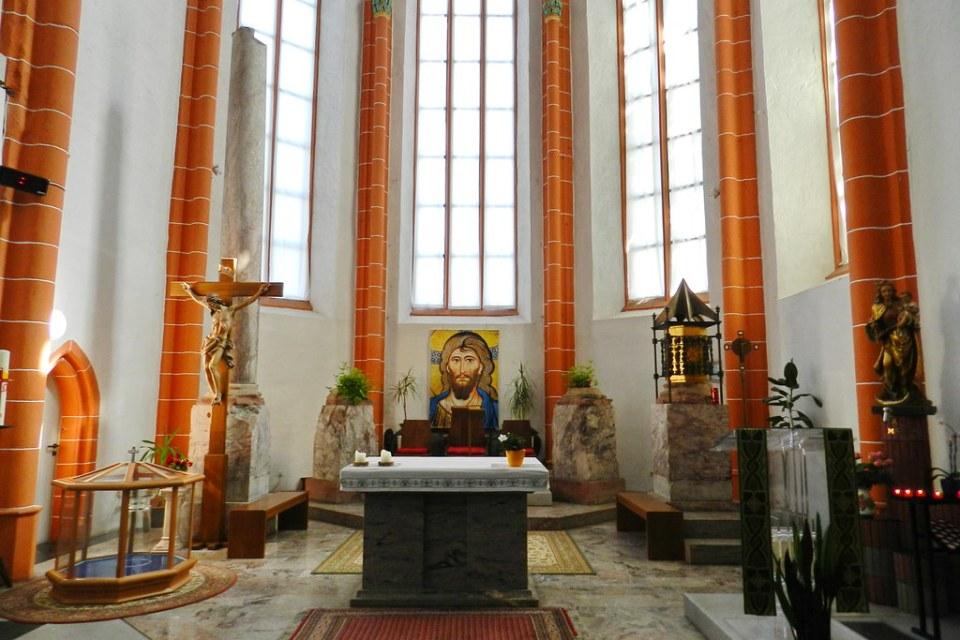 altar mayor interior Iglesia San Emmeran Maguncia Mainz Valle del Rin Alemania 02