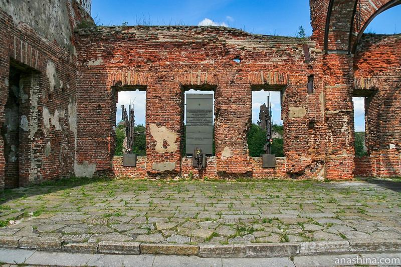 Мемориал в Иоанновском соборе, крепость Орешек