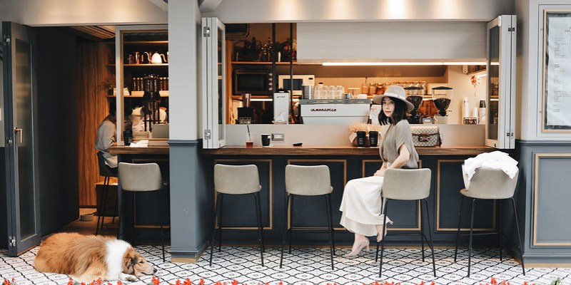 ▌Outfit ▌Pleats Please ISSEY MIYAKE氣質上衣 + Lareina Cafe