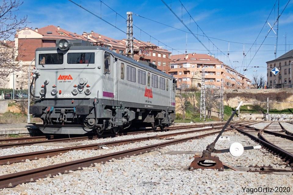 Low Japan Rail