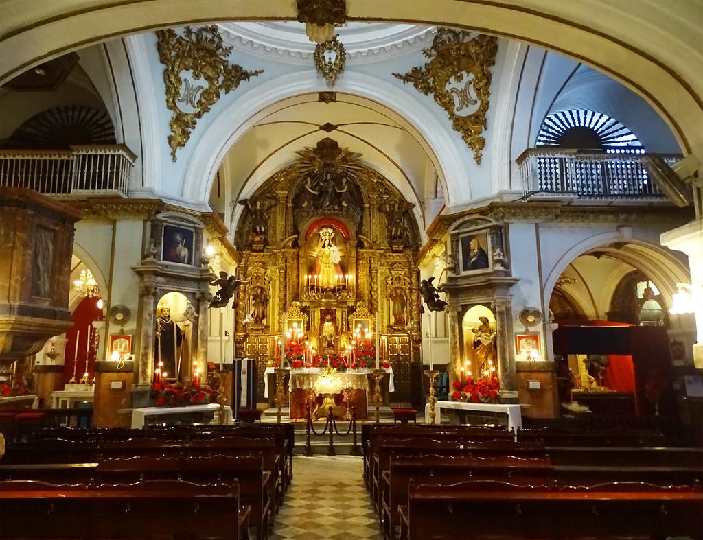 altar mayor interior iglesia del antiguo Hospital San Juan de Dios Cadiz 02