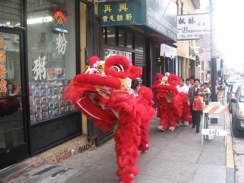 lion dance in san francisco chinatown
