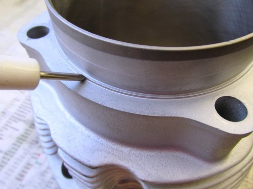Ridge On Top Of Cylinder Flange