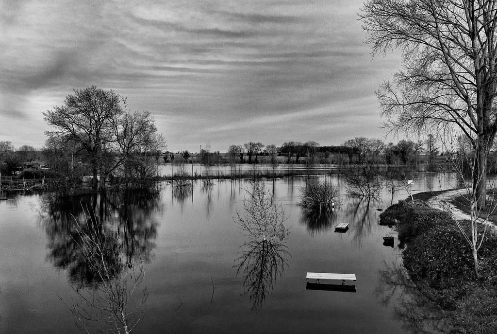 Paysage transformé par les inondations IV