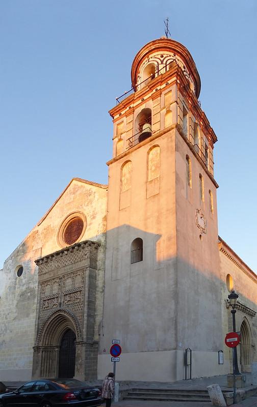 torre y fachada exterior Iglesia de Nuestra Señora de la O Sanlucar de Barrameda Cadiz 01