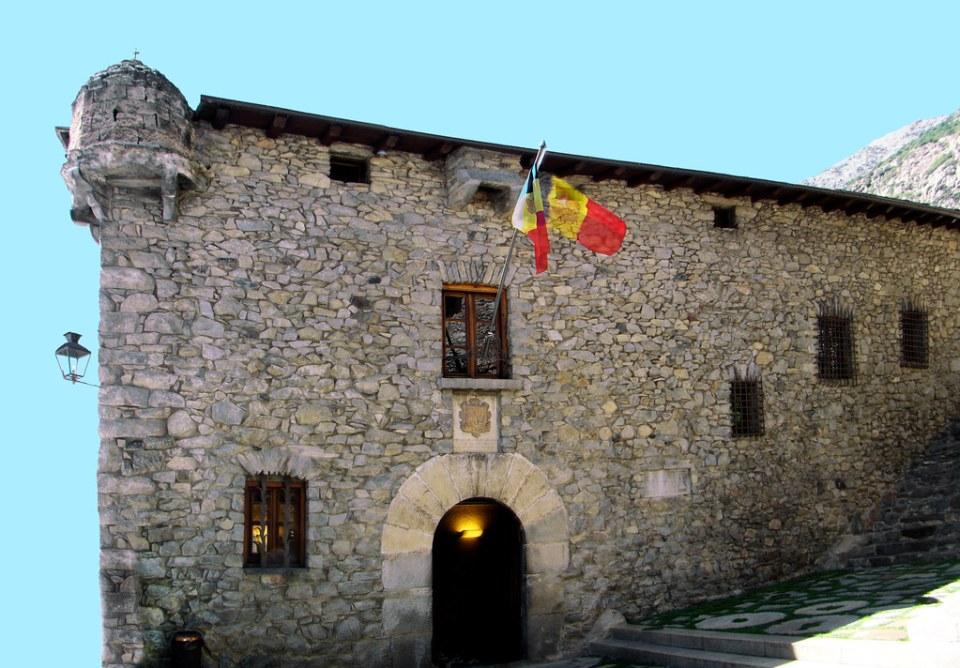 portada exterior Casa de la Vall Andorra la Vieja o Vella 03