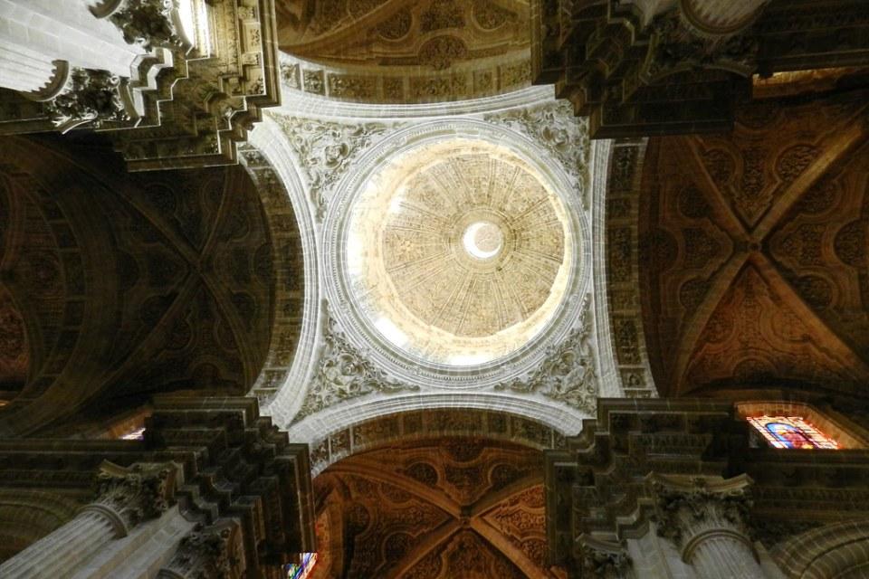 cupula y boveda techo interior Catedral de Jerez de la Frontera Cadiz 05