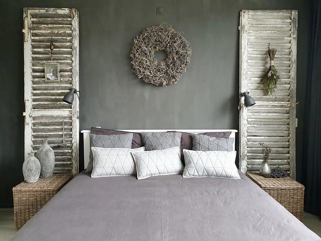 Slaapkamer landelijk sober houten luiken