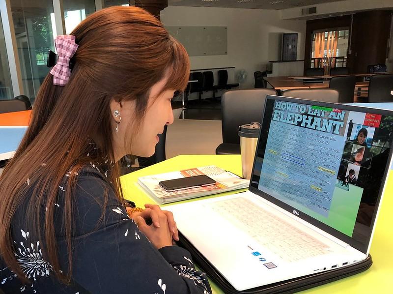 元智大學國際語言中心老師黃郁蘭特別為無法返台上課的學生,開設定期同步直播課程 (2)