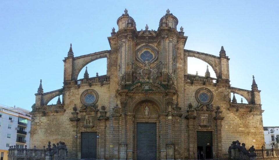 fachada exterior puertas Principal de La Transfiguracion P. de los Reyes y P. del Nacimiento Catedral de Jerez de la Frontera Cadiz 01