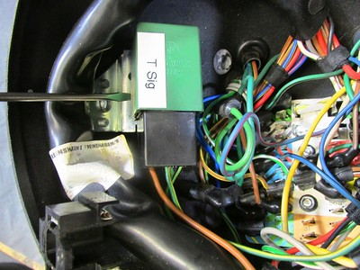 Turn Signal Relay Plugged Into Socket