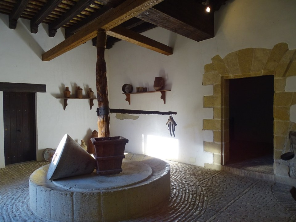 Almazara Molino de aceite El Alcazar de Jerez de la Frontera Cadiz 01