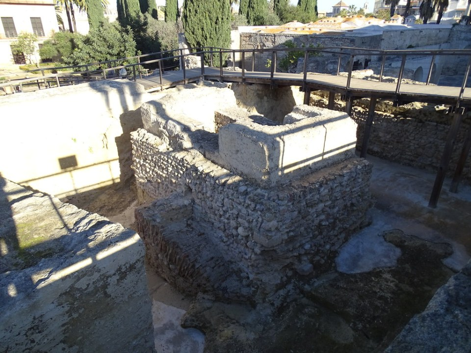 zona arqueologica restos califales almohades y cristianos siglos XIV y XV Alcazar de Jerez de la Frontera Cadiz 06