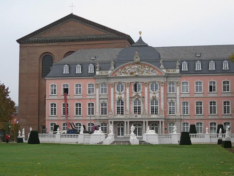 IMG_2119 Trier Konstantin Basilika met Keurvorstelijk Paleis
